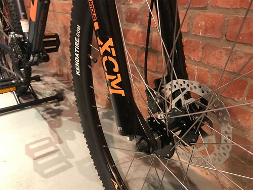 2018 GT Avalance Comp hardtail mountain bike fork and brake.jpg