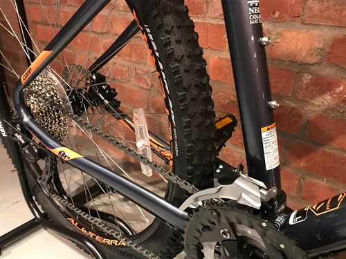 2018 GT Avalance Comp hardtail mountain bike rear end close up.jpg
